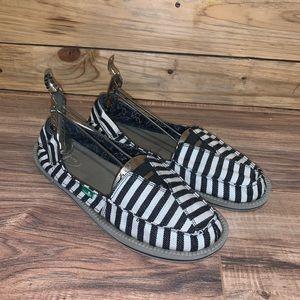 Sanuk Slip On Shoes Size 9
